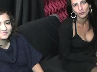 Gabi et Lili deux coll&egrave_gues tr&egrave_s salopes
