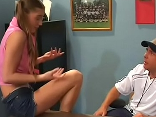Teen licks cunt and plays