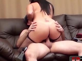 Novinha tarada que deu com muita vontade - Celine Salles - Frotinha Porn Star